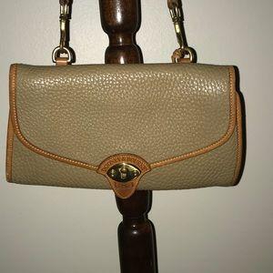 Vintage pebbled leather Dooney & Bourne purse